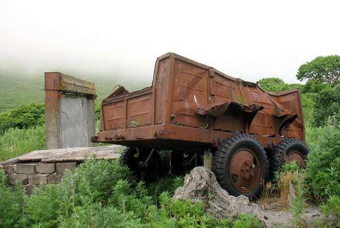 Заброшенный военный поселок Кратерный, Курилы