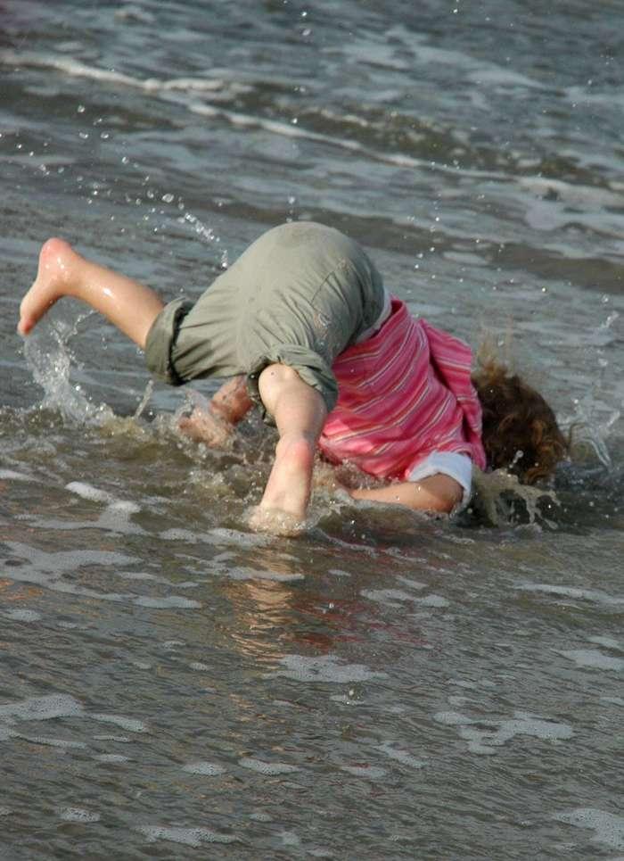 27 самых странных и забавных пляжных фотографий