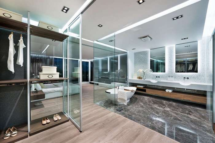 Дом со стеклянным гаражом в Гонконге