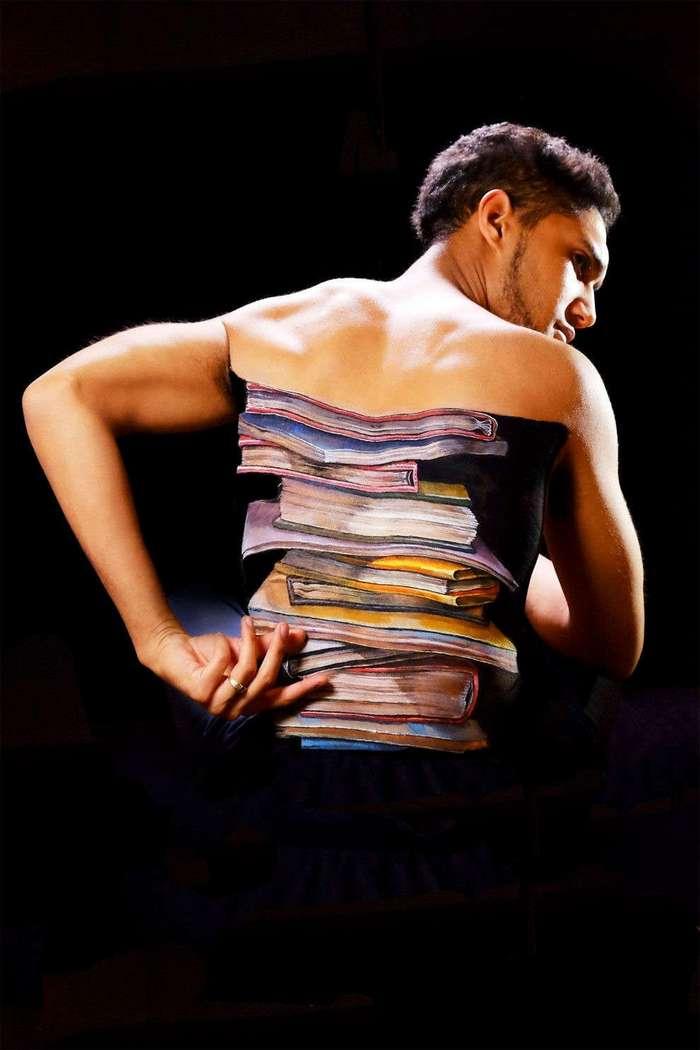 Японская художница Чу-Сан использует тело для создания сюрреалистичных картин
