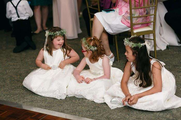Дети с особенностями развития погуляли на свадьбе учительницы