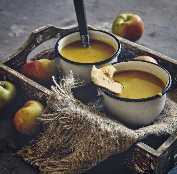 Пикантный яблочный суп
