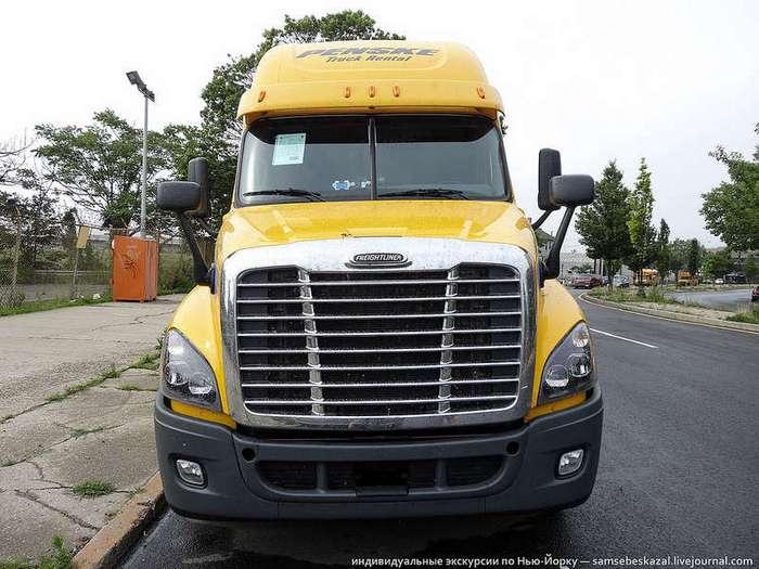 Как устроен грузовик американского дальнобойщика