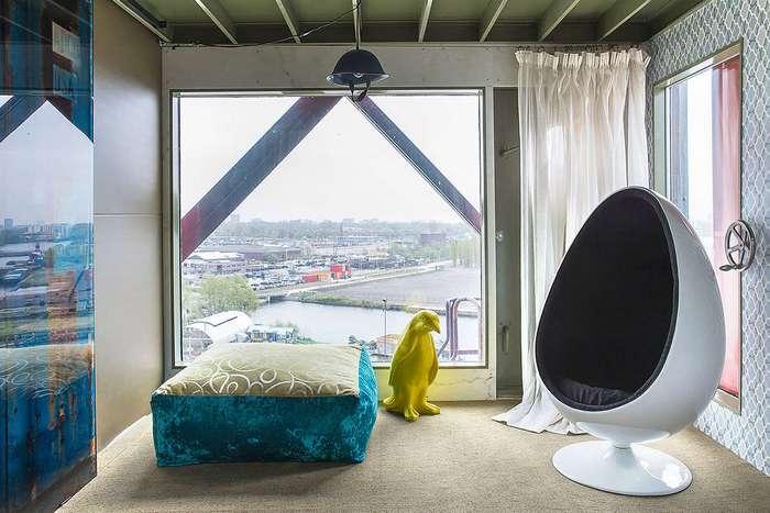 Самый безумный отель Амстердама