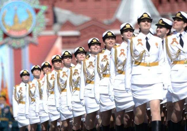 Запад возмущен российской «армией мини-юбок»