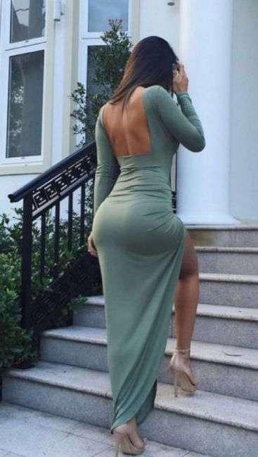 Ничто такне подчеркивает стройность фигуры как обтягивающее платье