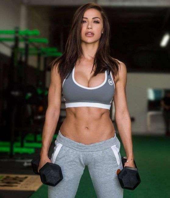 Небольшая порция фотографий девушек со спортивной фигурой