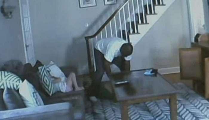 крови скрытой камерой сын снимать маму поступить военную службу
