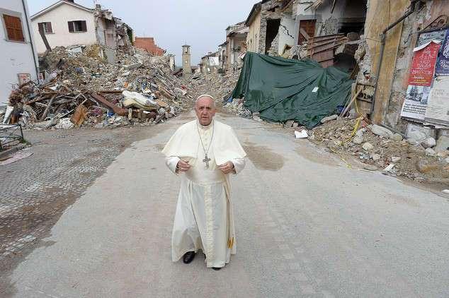 Итальянский священник: землетрясения - кара небесная за однополые браки