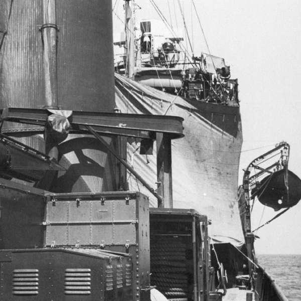 Подводная лодка под парусом