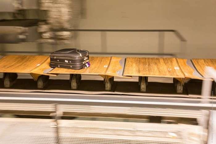 Как багаж попадает на самолет