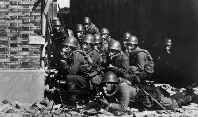 10 людей, которые рискнули собственной жизнью ради спасения своих врагов во время Второй мировой войны