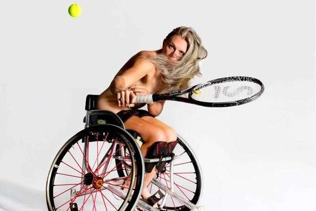 Британские паралимпийцы разделись, призывая людей полюбить свое тело