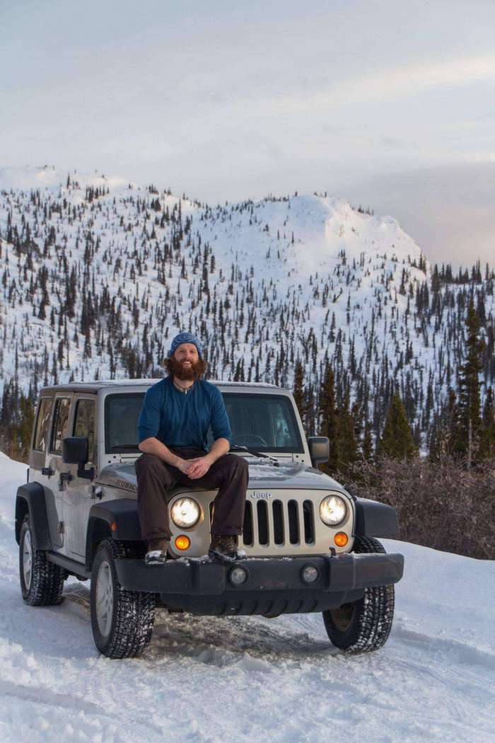 Парень переделал свой Джип в полноценную машину для путешествий по Африке