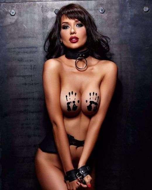22-летняя ростовчанка украсила календарь Playboy на 2017 год