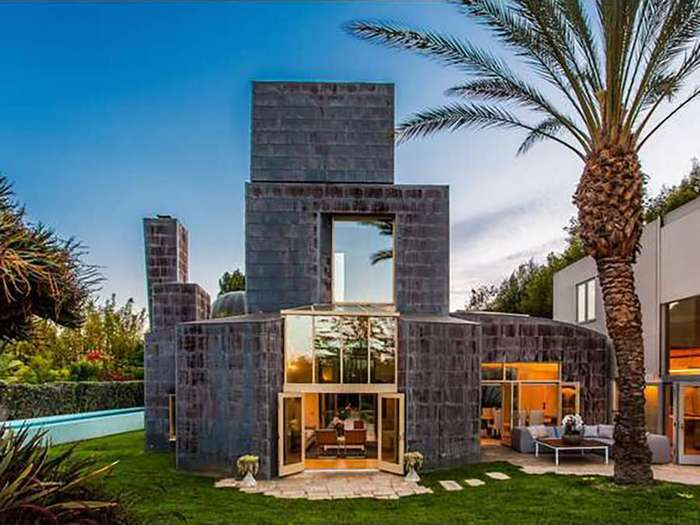 16 самых странных домов, которые можно найти на мировом рынке недвижимости