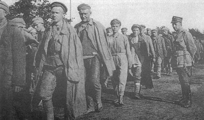 Жизнь и смерть красноармейцев на «островах» польского «ГУЛАГа»