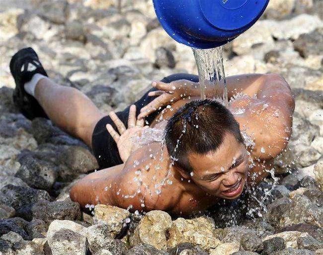 Экзамен водолазов-разведчиков морской пехоты Тайваня
