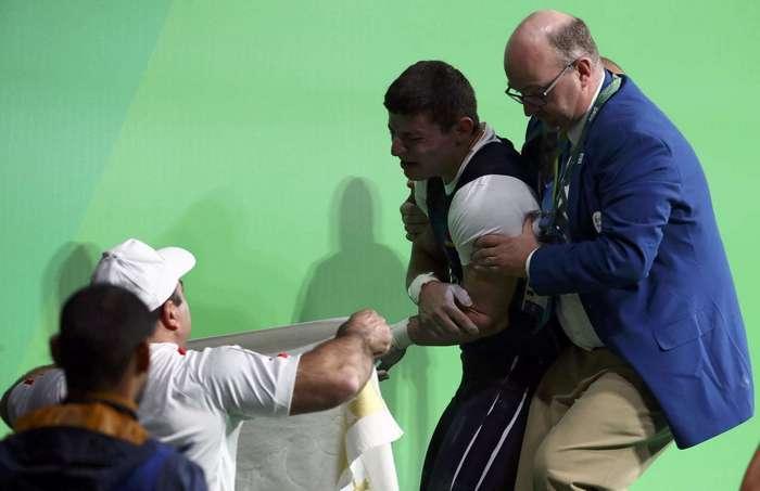 Несчастный случай со штангой: самое ужасное происшествие Рио-2016