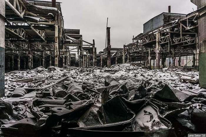 Прогулка по территории завода имени Лихачева в Москве