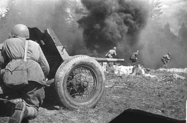 Супергерой Сиротинин: в одиночку уничтожил в бою 11 немецких танков и 57 фашистов