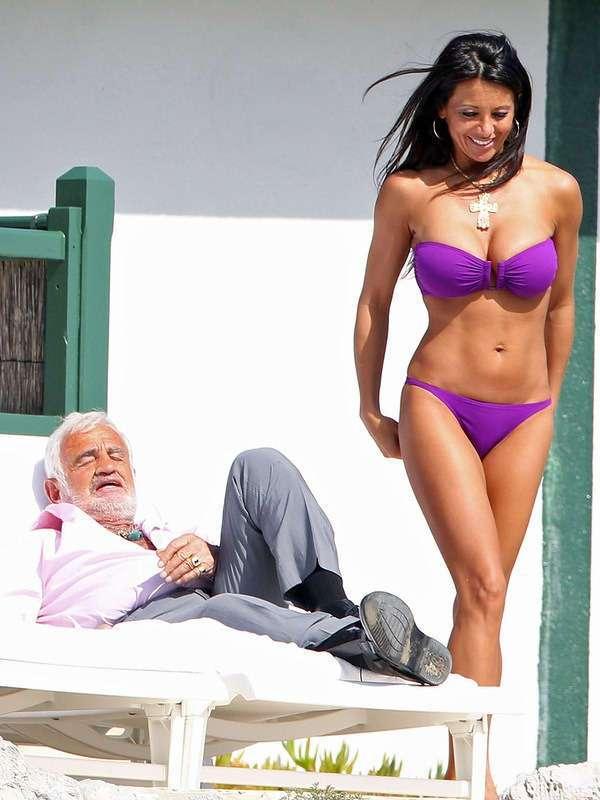 Волшебная старость. Бельмондо со своей подругой на отдыхе