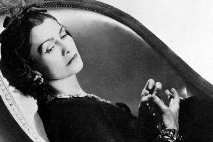 25 запомнившихся миру фраз Коко Шанель о том, как завоевать мужчину