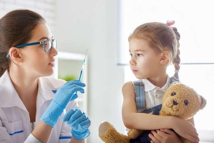 В России могут ввести ответственность за отказ от вакцинации ребенка
