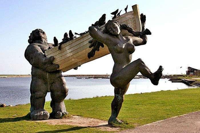 Очень странные, поразительные и потрясающие воображение скульптуры и памятники мира