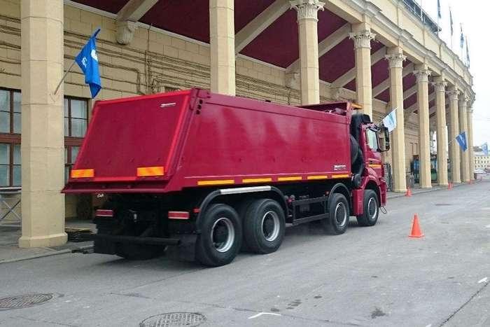 Новый четырехосный КамАЗ-65201