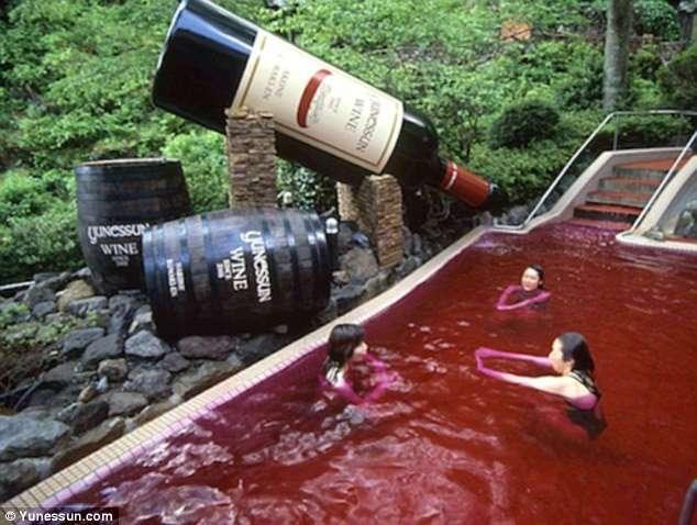 Японский СПА: здесь можно искупаться и в вине, и в лапше!