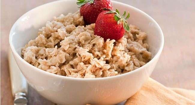 4 причины есть на завтрак овсяную кашу