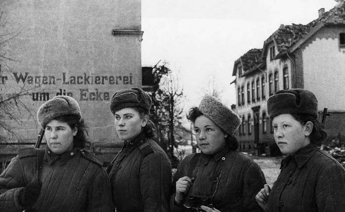 Комсомолки, красавицы, снайперы
