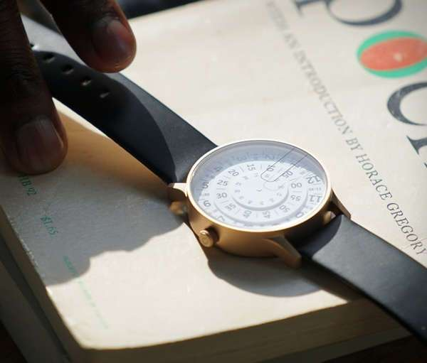 Часы с оригинальным циферблатом T1 Watch