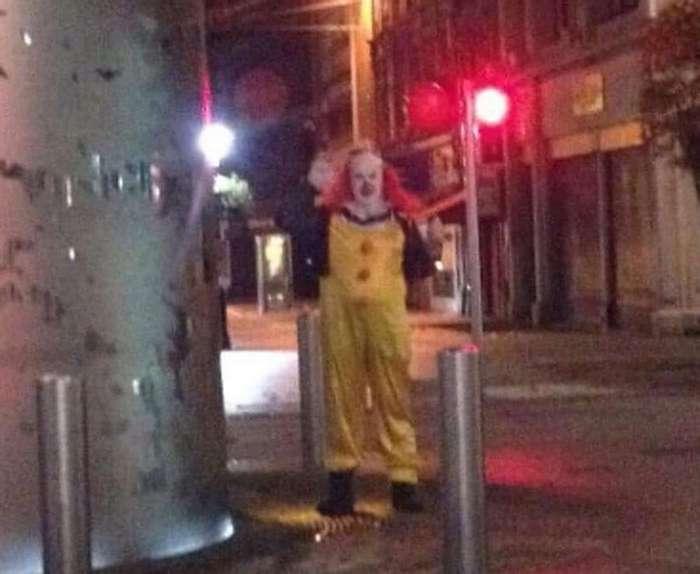 «Гадкие клоуны» пугают англичан и американцев