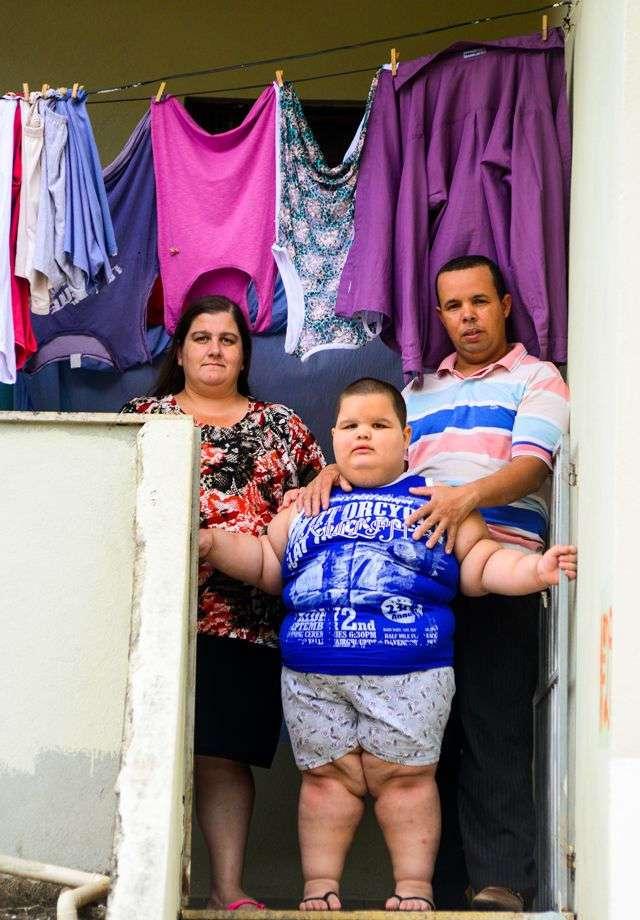Пятилетний мальчик весит 80 килограмм