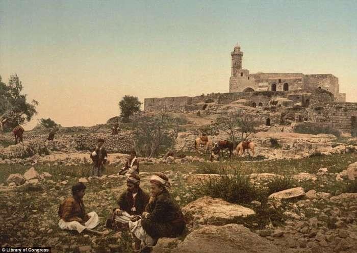 Иерусалимский базар, рыбная ловля в Галилейском море и бедуины: как выглядел Ближний Восток в 1890-х гг.