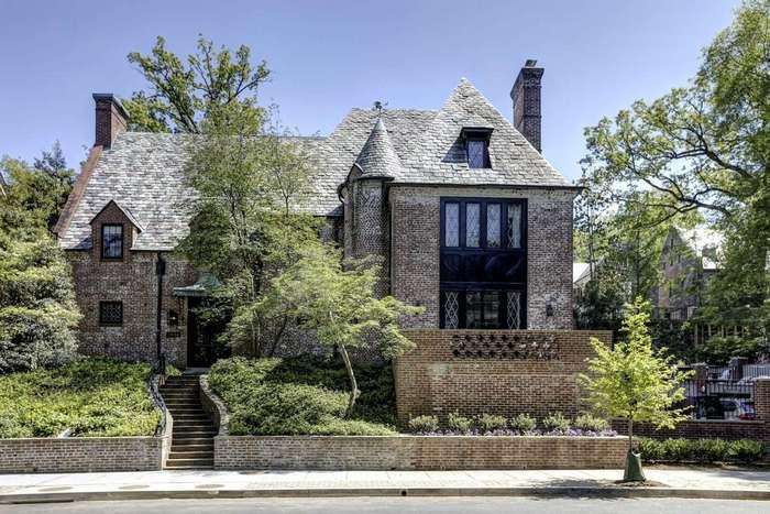 Семья Обамы переедет из Белого дома в особняк за 5,3 миллиона долларов