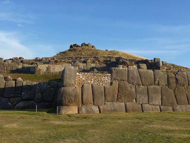 Крепость инков Саксайуаман – одно из самых древних зданий на планете