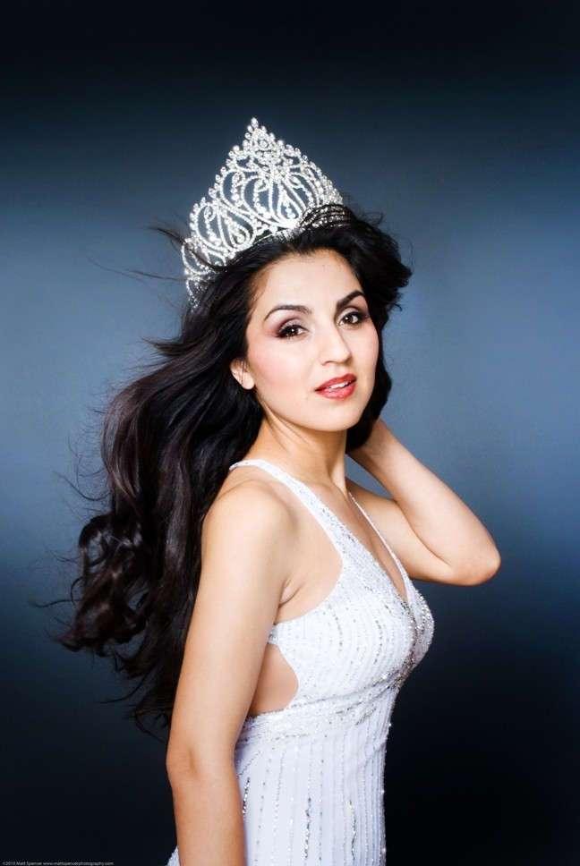 30 cамых красивых таджикских девушек