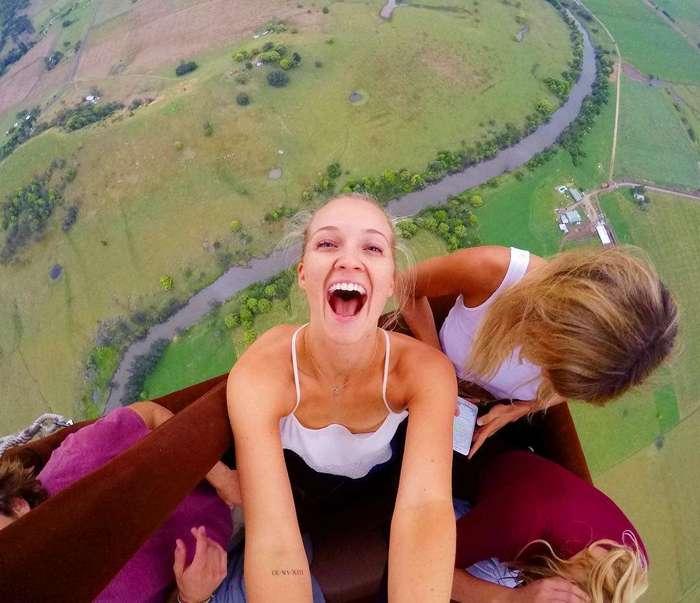 Парализованная после прыжка с парашютом девушка стала фитнес-гуру