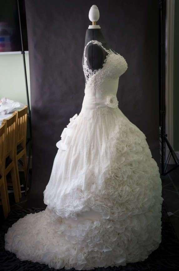 В Великобритании создали первое в мире съедобное свадебное платье