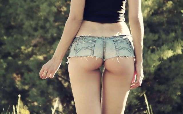 Джинсовые шорты - прекрасный предмет дамского гардероба. Железные аргументы