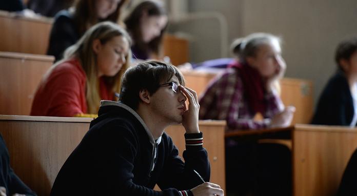 Более трети выпускников российских вузов — 35% не планируют работать по специальности.