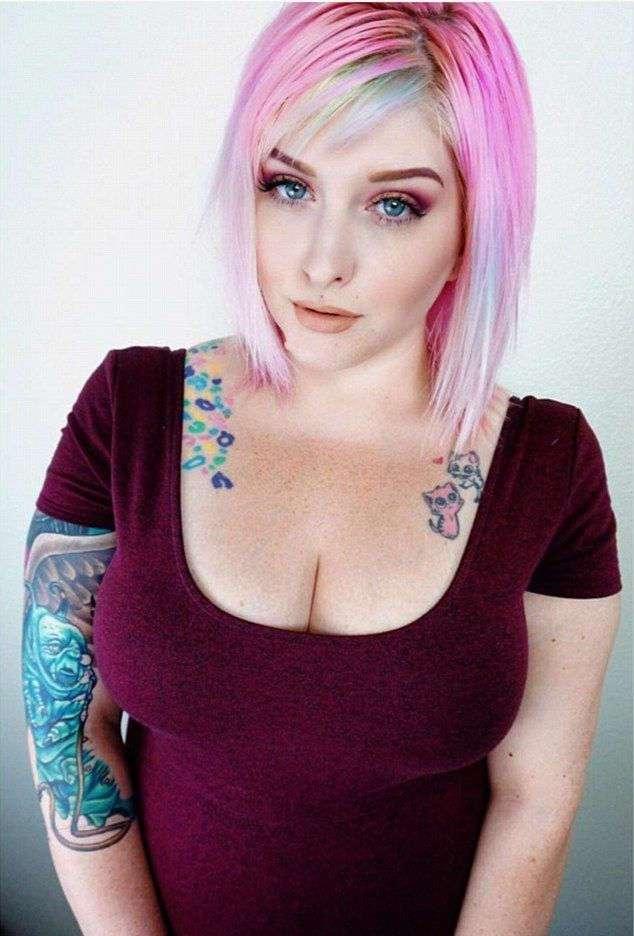 Видеоблогер удалила два килограмма груди