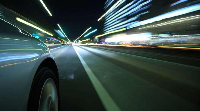 Как правильно вести автомобиль ночью