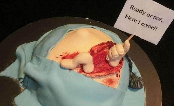 Пугающие торты, посвященные рождению ребёнка