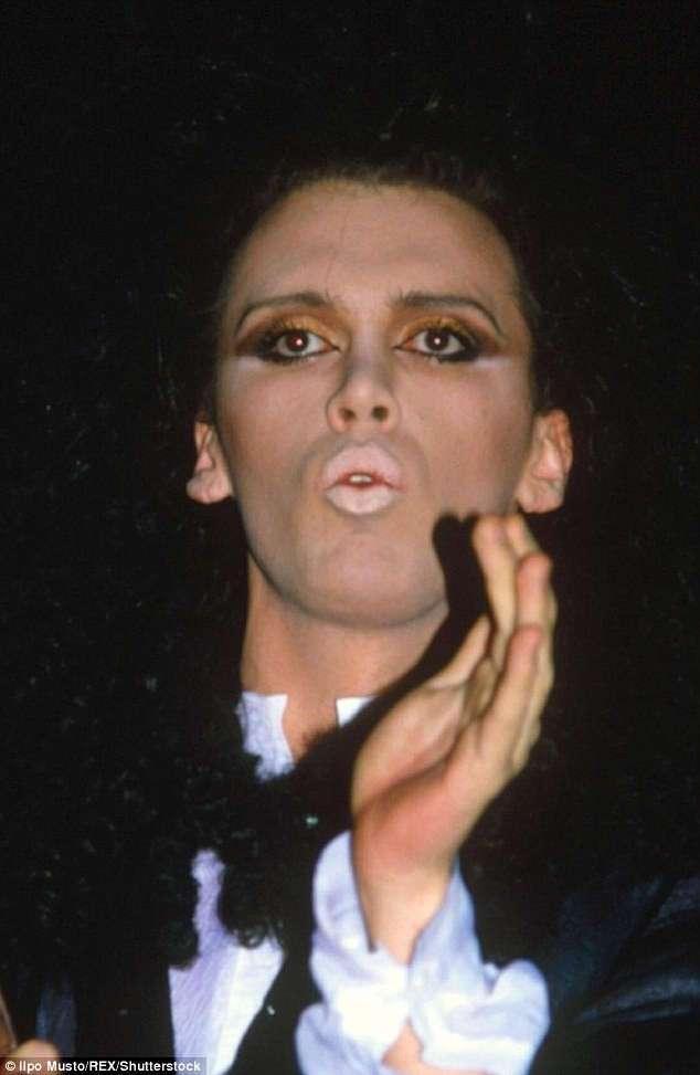 Современный Франкенштейн: британский певец Пит Бернс сделал более 300 пластических операций