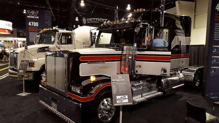 Выставка американских грузовиков в Канаде