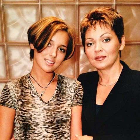 Я смотрю на эти лица, кто кем стал теперь: фото из выпускных альбомов российских звёзд